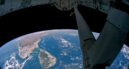 NASA, YouTube'a yüzlerce tarihi deneysel uçuş videosu yükledi