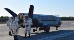 Gizli ABD uzay gemisi, rekor uçuştan sonra Dünya iniş yaptı